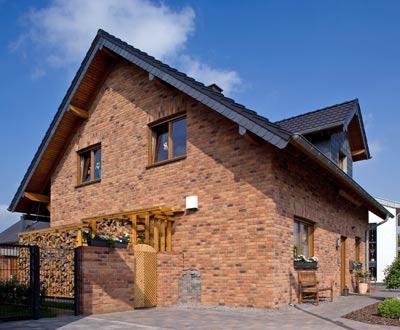 hausbau umbau anbau d ren angenehmes raumklima und hohe wohnqualit t im klimaholzhaus. Black Bedroom Furniture Sets. Home Design Ideas